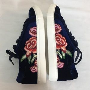 Kenneth Cole Joey 3 Velvet Navy Sneaker - Size 8.5